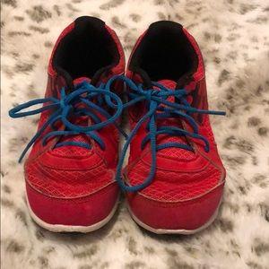 Boys 10k UA shoes